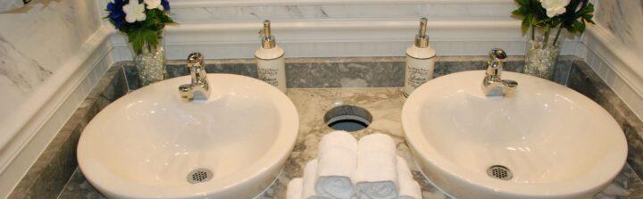 Rental bathrooms for weddings offer unsurpassed luxury.