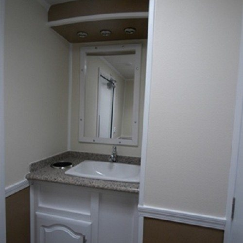 The Vegas allows quick clean-up and a grooming check with well-lit mirrors and countertops.